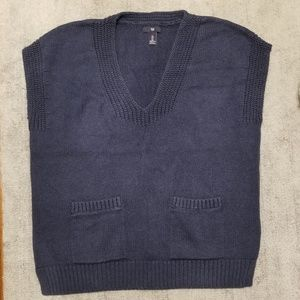 Gap sweater vest with pockets
